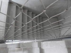 Trappenhuis studentenhuisvesting Laan van Spartaan veilig gemaakt door toepassing RVS staalkabelnetten