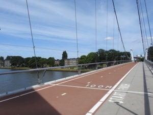 foto van Dafne Schippersbrug met railing van staalkabelnetten