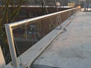 Strakke lijnen RVS staalkabelnetten Dafne Schippersbrug