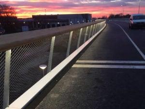 Verlichte RVS staalkabelnetten Maximabrug