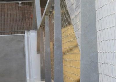 RVS staanders Maximabrug met mazen in horizontale richting